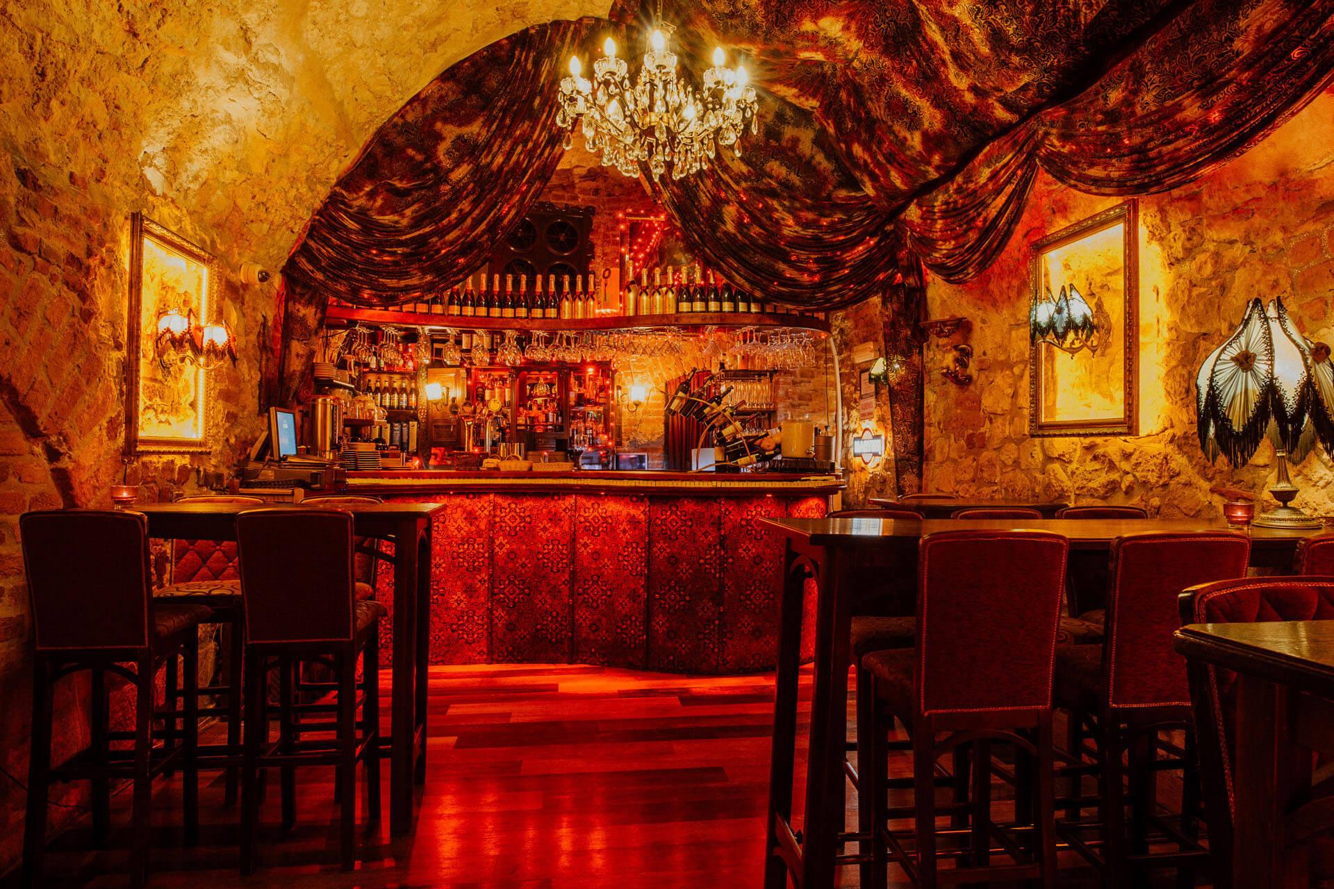 Slider zdjęcie 2 - The Piano Rouge Kraków